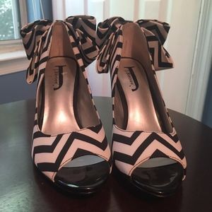 J Renee Black and White Peep Toe Pumps with bows